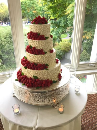 4 tier wedding cake by the pastry team