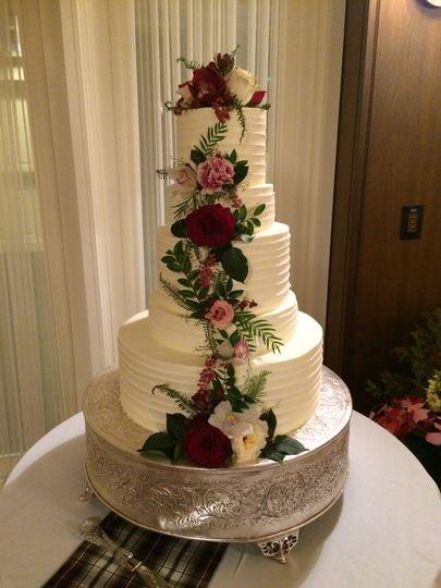 5 tier wedding cake by the Woodstock Inn