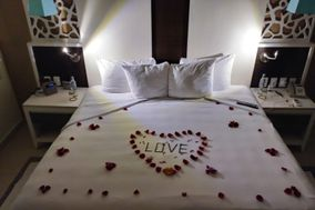 Wave Goodbye Vacations and Honeymoons