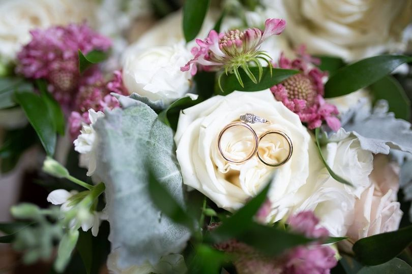 Rustic flowers and rings