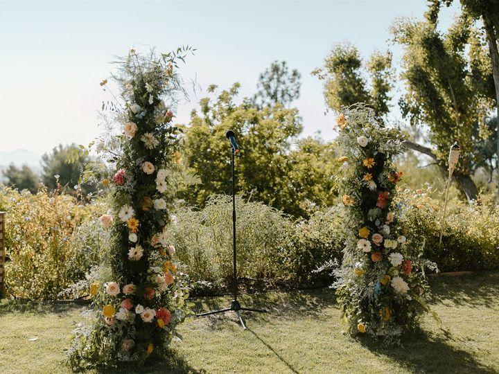 Tmx Thousand Oaks Backyard Wedding Allison Cameron Becca Romero Creative 18 Websize 51 996259 159996990412148 Los Angeles, CA wedding florist