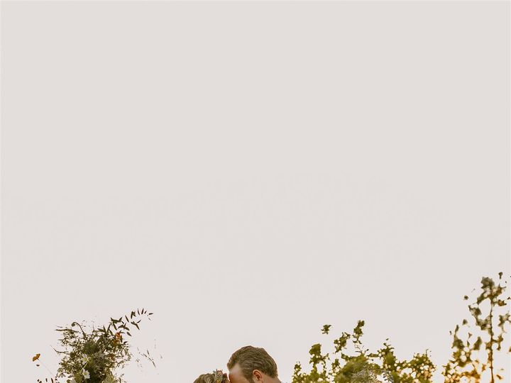Tmx Thousand Oaks Backyard Wedding Allison Cameron Becca Romero Creative 345 Websize 51 996259 159996998779048 Los Angeles, CA wedding florist