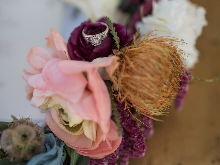 Tmx Wedwire18 51 996259 158044636954769 Los Angeles, CA wedding florist