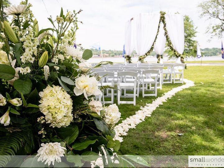 Tmx 1516659339 B48b24ce44a8362c 1516659335 A6ebd31035e955c0 1516659322948 22 JWC001 Bettendorf, Iowa wedding planner