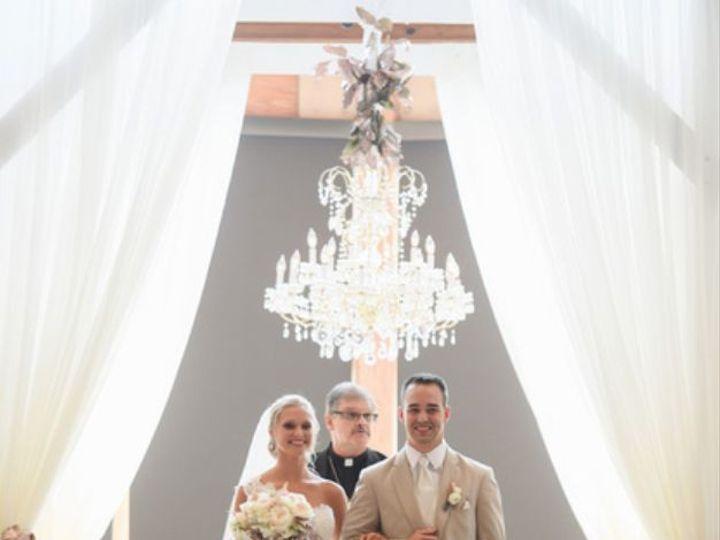 Tmx 1516659360 C63efbd9bffdcb17 1516659326 E7e5f2f6373d10fb 1516659322906 6 Screen Shot 2018 0 Bettendorf, Iowa wedding planner