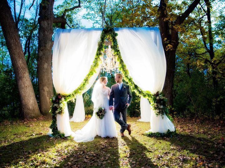 Tmx 1516669767 6032607df9004fa7 1516669765 Dff3a4cd99047339 1516669765101 8 23270433 101557755 Bettendorf, Iowa wedding planner