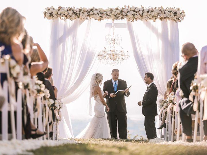 Tmx 1516805356 D0c93fc799997e7c 1516805350 772cb9456ebfb71d 1516805344463 3 2L8A3780 Bettendorf, Iowa wedding planner