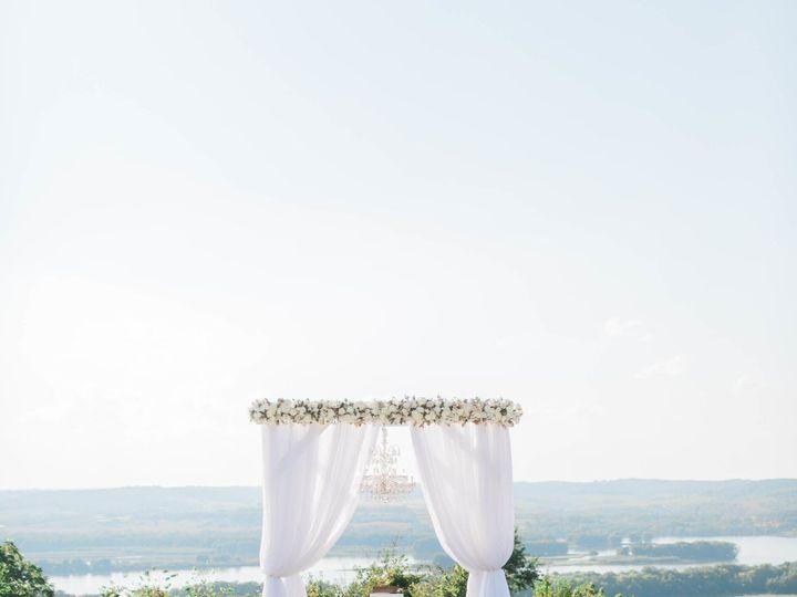 Tmx 1516805397 B974a69c0cc56c28 1516805394 C8e3ee3430261f79 1516805392285 10 FG5A4276 Bettendorf, Iowa wedding planner