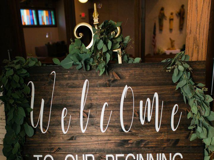 Tmx 1516816764 3042e4356cd2ecbc 1516816725 B922a2fe673d8208 1516816711996 3 0339 Bettendorf, Iowa wedding planner