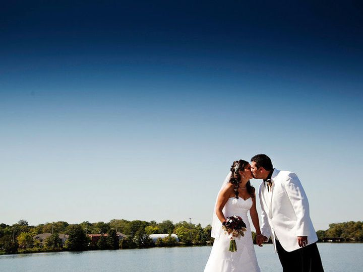 Tmx 1530631955 0cfe525d8acf7294 1530631954 Febff0f6f2b24b1a 1530631951029 42 Kissing Burlington, WI wedding venue
