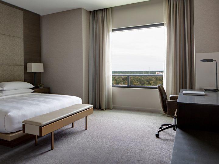 Tmx Mh Houns Exec Suite Guestroom 9 Edit Edit 51 1048259 1558641800 Spring, TX wedding venue
