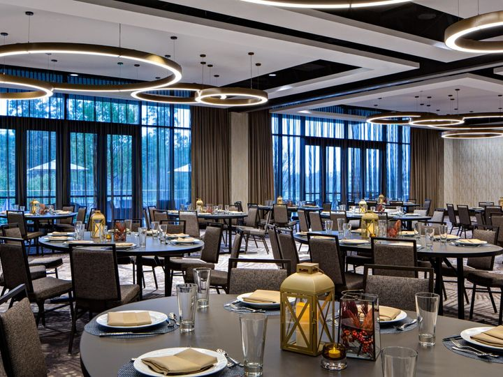 Tmx Mh Houns Oak Ballroom Conference 12 Dhp Edit Edit 51 1048259 1558641813 Spring, TX wedding venue
