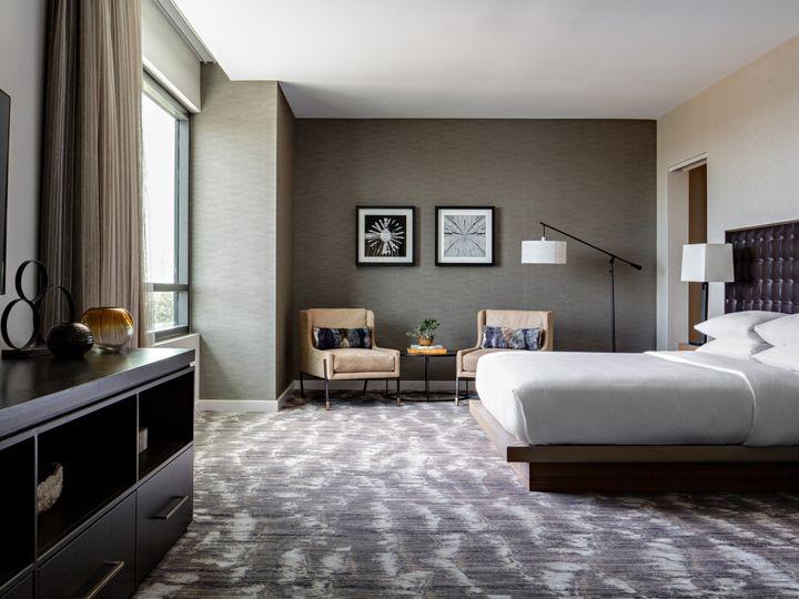 Tmx Mh Houns Presidential Suite Guestroom 13 Dhp Edit Edit 51 1048259 1558641822 Spring, TX wedding venue