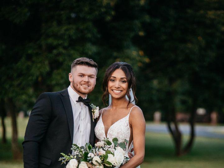 Tmx 200911 239 Bw 51 1988259 160210111046403 Chatham, IL wedding photography