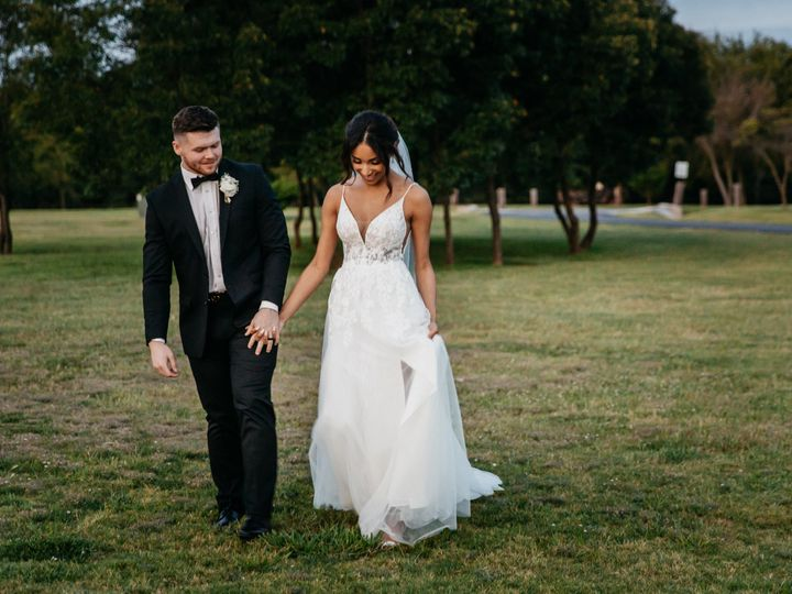 Tmx 200911 264 Bw 51 1988259 160210111194433 Chatham, IL wedding photography
