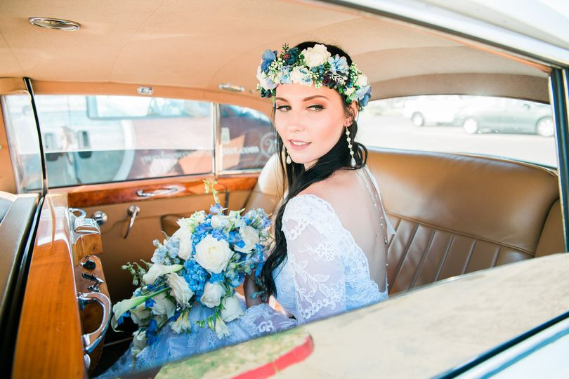 Bridal portraits in Rolls Royce