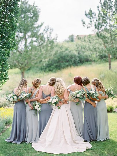 dani cowan photography soft purple bridesmaid dres