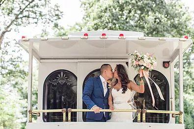 new trolley wedding couple 51 22359 1569610072