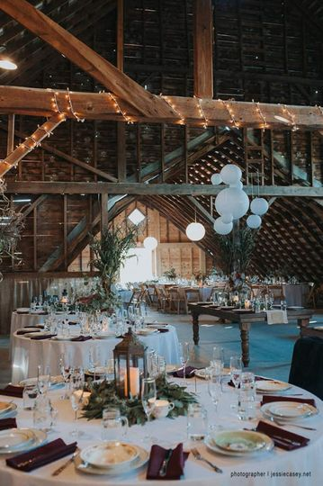 Table setting in the barn