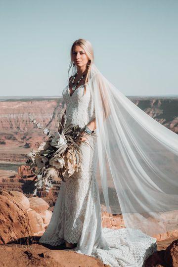 Elegant desert bride