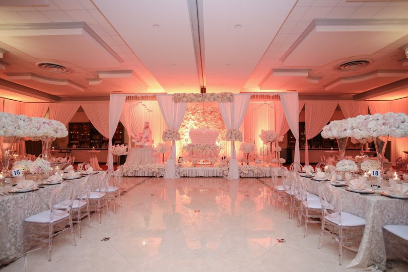 Walkway for the happy couple to their sweetheart table
