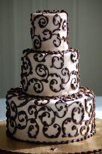 Scroll design done in chocolate ganche