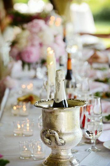 Gold table arrangements