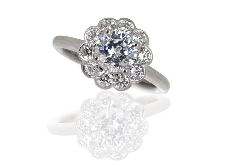 halo cluster engagement ring daisy 1