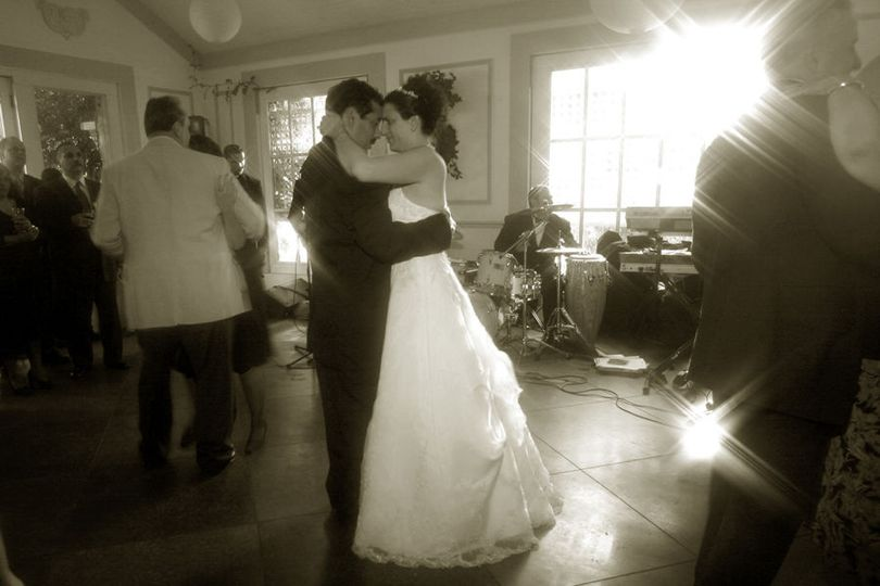 Wedding at Roundhill Mansion