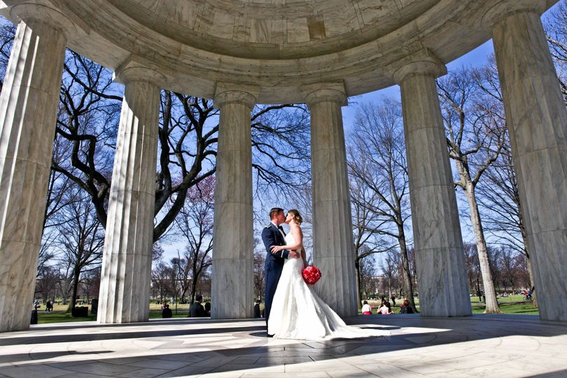 DC War Memorial wedding with amazing light captured by Capitol DC Photos