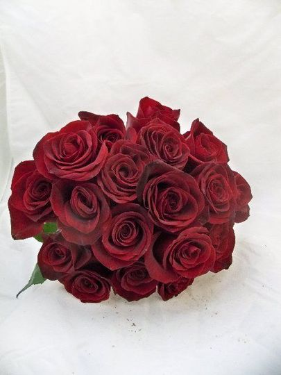 c940bfa09cd72372 red rose bouquet