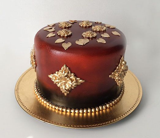800x800 1426708416740 red gold cake