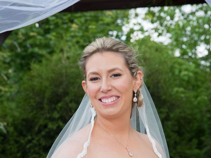 Tmx 1517023708 A5bf0ddc769ef9db 1517023706 F6de52e1e01bfee4 1517023690459 46 Wedding   Jen And Buffalo, New York wedding beauty