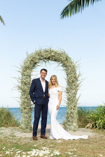 Arch and Wedding Couple
