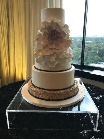cakes by gina wedding cake houston tx weddingwire. Black Bedroom Furniture Sets. Home Design Ideas