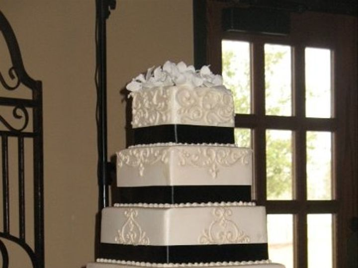 Tmx 1287698004739 13345335804940513281668075513101559295980245n Houston, TX wedding cake