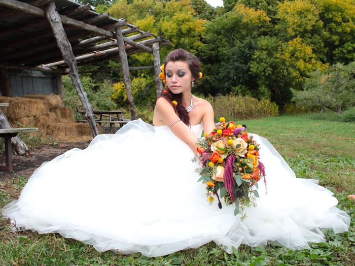 Tmx 1538281551 147d14e240fa9640 1538281550 0ec8878c0a3cbcf5 1538281546384 2 Brides Bouquet  1  Arvada, CO wedding florist
