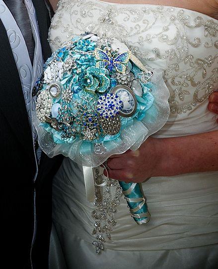 brooch bouquet bridal