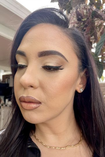 Neutral cut crease & ombre lip