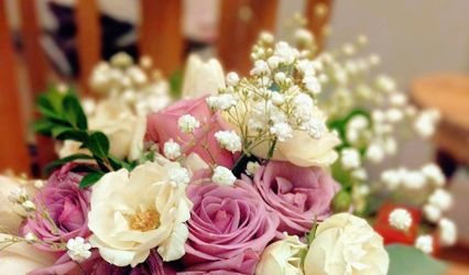 Fanciful Floral Design and Wedding Planning 1