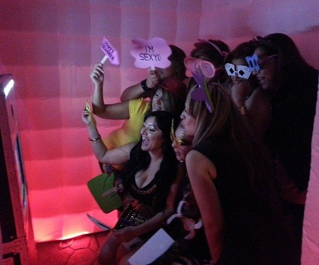inflatable led photobooth 640x533
