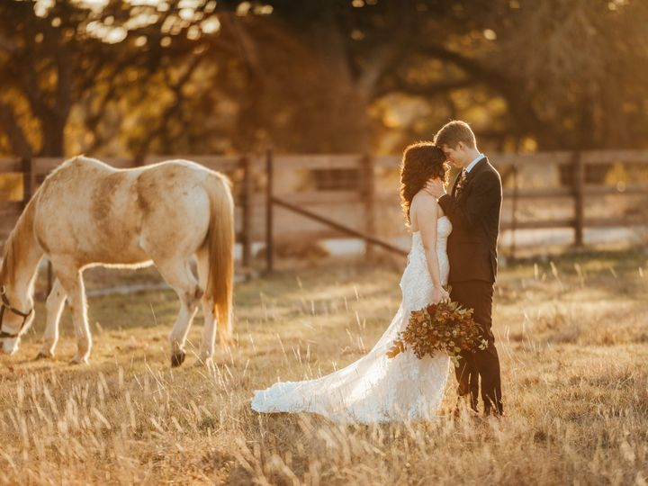 Tmx Angela And Joshua3649 51 741759 160628305276118 Johnson City, Texas wedding venue