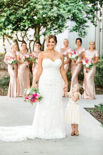 c81fa244f8ccd14a 1525541958 c143232ddc8c54a2 1525541945402 10 bride and her bri