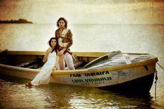 coupleonaboat