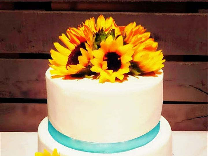 Tmx Sunflower 51 1226759 160700571095029 Converse, TX wedding cake