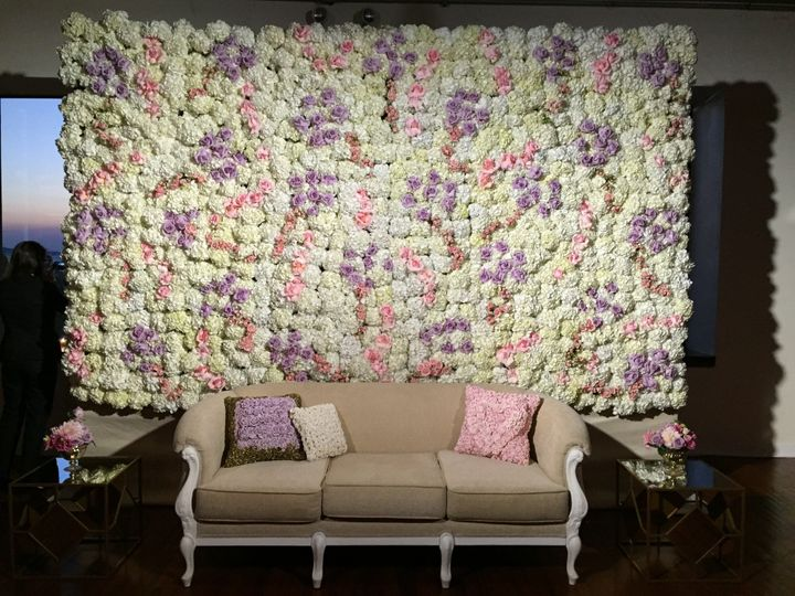 Lighting for flower wall