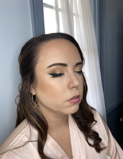 Maid of honor gold makeup!