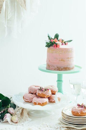 Single layered cake