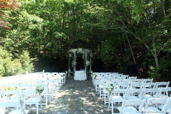 Tmx 1316640549391 Outside Northport, NY wedding venue