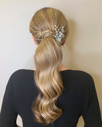 Curled Contoured Artistry